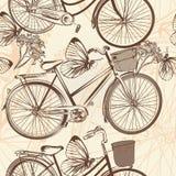 Άνευ ραφής σχέδιο ταπετσαριών με τα ποδήλατα στο αναδρομικό ύφος Στοκ Εικόνα