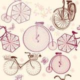 Άνευ ραφής σχέδιο ταπετσαριών με τα ποδήλατα στο αναδρομικό ύφος Στοκ Φωτογραφία