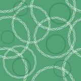 Άνευ ραφής σχέδιο της αφηρημένης αλυσίδας κύκλων σε ένα πράσινο υπόβαθρο Στοκ εικόνα με δικαίωμα ελεύθερης χρήσης