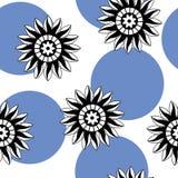 Άνευ ραφής σχέδιο των αφηρημένων γραπτών λουλουδιών σε ένα λευκό Στοκ φωτογραφίες με δικαίωμα ελεύθερης χρήσης