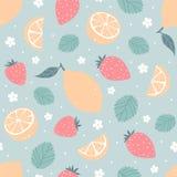 Άνευ ραφής σχέδιο φραουλών και λεμονιών στα χρώματα κρητιδογραφιών επίσης corel σύρετε το διάνυσμα απεικόνισης Στοκ φωτογραφία με δικαίωμα ελεύθερης χρήσης