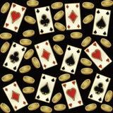 Άνευ ραφής σχέδιο χαρτοπαικτικών λεσχών με τα χρυσές νομίσματα και τις κάρτες πόκερ, διάνυσμα Στοκ Φωτογραφίες