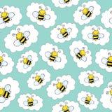 Άνευ ραφής σχέδιο Doodle με τις μέλισσες Στοκ Φωτογραφίες
