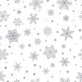 Άνευ ραφής σχέδιο snowflakes, γκρίζο στο λευκό απεικόνιση αποθεμάτων