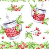 Άνευ ραφής σχέδιο Watercolor Το χέρι χρωμάτισε το φλυτζάνι του ζεστού ποτού με την πλεκτή περίπτωση, τη σορβιά και τα φύλλα Flora Στοκ φωτογραφία με δικαίωμα ελεύθερης χρήσης