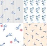 Άνευ ραφής σχεδίων θερινή τυπωμένη ύλη στοιχείων πουλιών διανυσματική Ελεύθερη απεικόνιση δικαιώματος