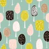 Άνευ ραφής σύσταση με συρμένα τα χέρι δέντρα Ατελείωτο συρμένο χέρι σχέδιο φθινοπώρου Πρότυπο για το κλωστοϋφαντουργικό προϊόν σχ διανυσματική απεικόνιση