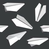 Άνευ ραφής σύσταση σχεδίων ενός origami άσπρο ο παιχνιδιών αεροπλάνων εγγράφου Στοκ φωτογραφία με δικαίωμα ελεύθερης χρήσης