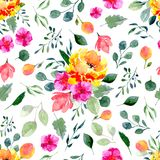 Άνευ ραφής σύσταση των λουλουδιών και των φύλλων watercolor Φωτεινή θερινή τυπωμένη ύλη με το φύλλωμα και τα floral στοιχεία Στοκ φωτογραφία με δικαίωμα ελεύθερης χρήσης