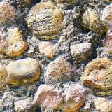 Άνευ ραφής υπόβαθρο της παλαιάς φωτογραφίας σύστασης τοίχων πετρών Ζωηρόχρωμος παλαιός τοίχος πετρών Στοκ εικόνα με δικαίωμα ελεύθερης χρήσης