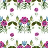 Άνευ ραφής υπόβαθρο watercolor που αποτελείται από τα ρόδινα λουλούδια και τα πέταλα Στοκ εικόνα με δικαίωμα ελεύθερης χρήσης