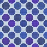 Άνευ ραφής υφαντικό σχέδιο στο μπλε με τα πορφυρά και μπλε σημεία στοκ εικόνες με δικαίωμα ελεύθερης χρήσης