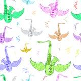 Άνευ ραφής φτερωτό λευκό χρώματος saxophones Στοκ Εικόνες
