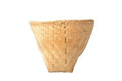 Άνευ ραφής ψάθινο καλάθι μπαμπού που απομονώνεται στο λευκό Στοκ Εικόνες