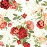 Άνευ ραφής floral σχέδιο με τα κόκκινα και πορτοκαλιά τριαντάφυλλα στο άσπρο backg Στοκ εικόνα με δικαίωμα ελεύθερης χρήσης