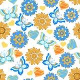 Άνευ ραφής floral σχέδιο με τις μπλε πεταλούδες και τις καρδιές Στοκ εικόνες με δικαίωμα ελεύθερης χρήσης