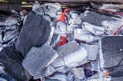 Άνθρακες σιδηρουργών που καίνε για την εργασία σιδήρου, υπόβαθρο στοκ φωτογραφίες με δικαίωμα ελεύθερης χρήσης