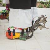 Άνθρωποι από τη Βολιβία στα παραδοσιακά χορεύοντας παπούτσια τους σε EXPO 2 Στοκ εικόνα με δικαίωμα ελεύθερης χρήσης