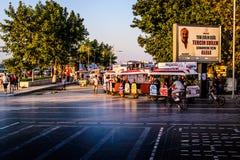 Άνθρωποι και περιβάλλον της τουρκικής πόλης παραλιών Στοκ Εικόνες