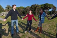 άνθρωποι ομάδας κύκλων Στοκ φωτογραφία με δικαίωμα ελεύθερης χρήσης