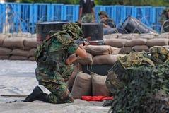 άνθρωποι παιχνιδιών που παίζουν τον πόλεμο Στοκ εικόνες με δικαίωμα ελεύθερης χρήσης