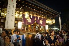 Άνθρωποι που απολαμβάνουν το φεστιβάλ Tenjin, Οζάκα Ιαπωνία, τη Δευτέρα 23 Ιουλίου στοκ φωτογραφίες