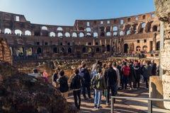Άνθρωποι που επισκέπτονται Colosseum Στοκ Εικόνες