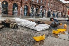 Άνθρωποι που διαμαρτύρονται την εκδήλωση κύβος-μέσα ενάντια στη μετανάστευση polic Στοκ φωτογραφίες με δικαίωμα ελεύθερης χρήσης
