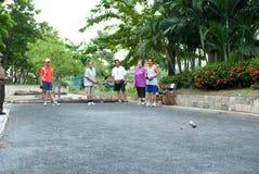 Άνθρωποι που παίζουν Petanque στοκ εικόνες με δικαίωμα ελεύθερης χρήσης