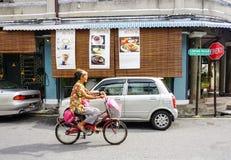 Άνθρωποι που στην οδό σε Melaka, Μαλαισία στοκ εικόνα με δικαίωμα ελεύθερης χρήσης