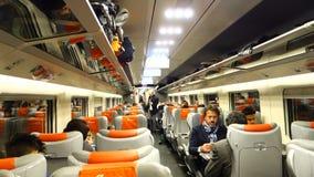 Άνθρωποι που ταξιδεύουν στο τραίνο απόθεμα βίντεο