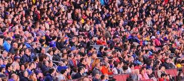 Άνθρωποι που υποστηρίζουν το Φ Γ Ποδοσφαιριστές της Βαρκελώνης στο στρατόπεδο Nou Στοκ φωτογραφίες με δικαίωμα ελεύθερης χρήσης