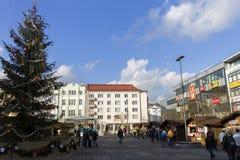 Άνθρωποι που ψωνίζουν στις παραδοσιακές αγορές Χριστουγέννων στην πλατεία Masaryk, Οστράβα Στοκ εικόνες με δικαίωμα ελεύθερης χρήσης