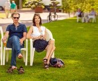 άνθρωποι Ρήγα πάρκων της Λετονίας Στοκ εικόνα με δικαίωμα ελεύθερης χρήσης