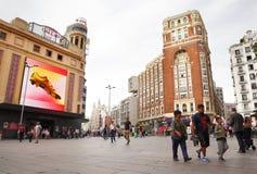 Άνθρωποι σε Plaza Callao στη Μαδρίτη Στοκ Φωτογραφίες