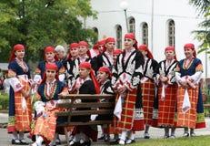 Άνθρωποι στα παραδοσιακά κοστούμια λαογραφίας Στοκ εικόνες με δικαίωμα ελεύθερης χρήσης