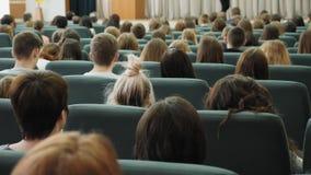 Άνθρωποι στην επιχειρησιακή διάσκεψη απόθεμα βίντεο