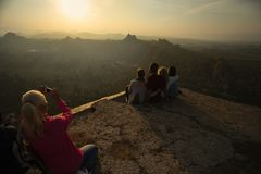 Άνθρωποι στην κορυφή στοκ φωτογραφία με δικαίωμα ελεύθερης χρήσης