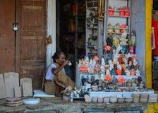 Άνθρωποι στην οδό στο Varanasi, Ινδία Στοκ φωτογραφία με δικαίωμα ελεύθερης χρήσης