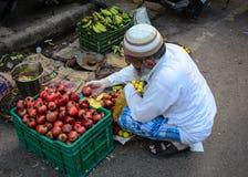 Άνθρωποι στην οδό στο Varanasi, Ινδία Στοκ Φωτογραφίες