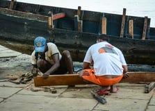 Άνθρωποι στην οδό στο Varanasi, Ινδία Στοκ εικόνα με δικαίωμα ελεύθερης χρήσης