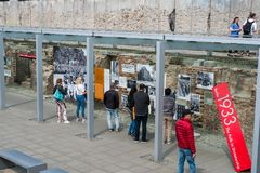 Άνθρωποι στην τοπογραφία του τρόμου γερμανικά: Topographie des Terr στοκ φωτογραφίες με δικαίωμα ελεύθερης χρήσης