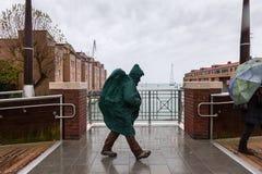 Άνθρωποι στη βροχή Στοκ φωτογραφία με δικαίωμα ελεύθερης χρήσης