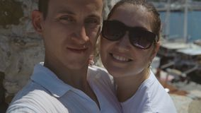 Άνθρωποι στις διακοπές στις θερμές χώρες απόθεμα βίντεο