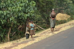 Άνθρωποι στις οδούς της Αιθιοπίας Στοκ φωτογραφία με δικαίωμα ελεύθερης χρήσης