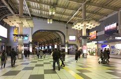 Άνθρωποι στο σταθμό Shinjuku στο Τόκιο, Ιαπωνία Στοκ Φωτογραφίες