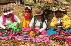 Άνθρωποι Uros, επιπλέον νησί, Περού στοκ φωτογραφία με δικαίωμα ελεύθερης χρήσης