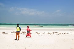 Άνθρωποι Zanzibar στην παραλία Στοκ φωτογραφίες με δικαίωμα ελεύθερης χρήσης