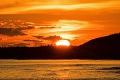 Άνοδοι ήλιων επάνω από το Bluffs στους κοκοφοίνικες Cayo, Κούβα στοκ φωτογραφία με δικαίωμα ελεύθερης χρήσης