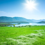 άνοιξη βουνών τοπίων στοκ εικόνα με δικαίωμα ελεύθερης χρήσης